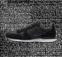 Nike Internationalist Black/Monarch-White