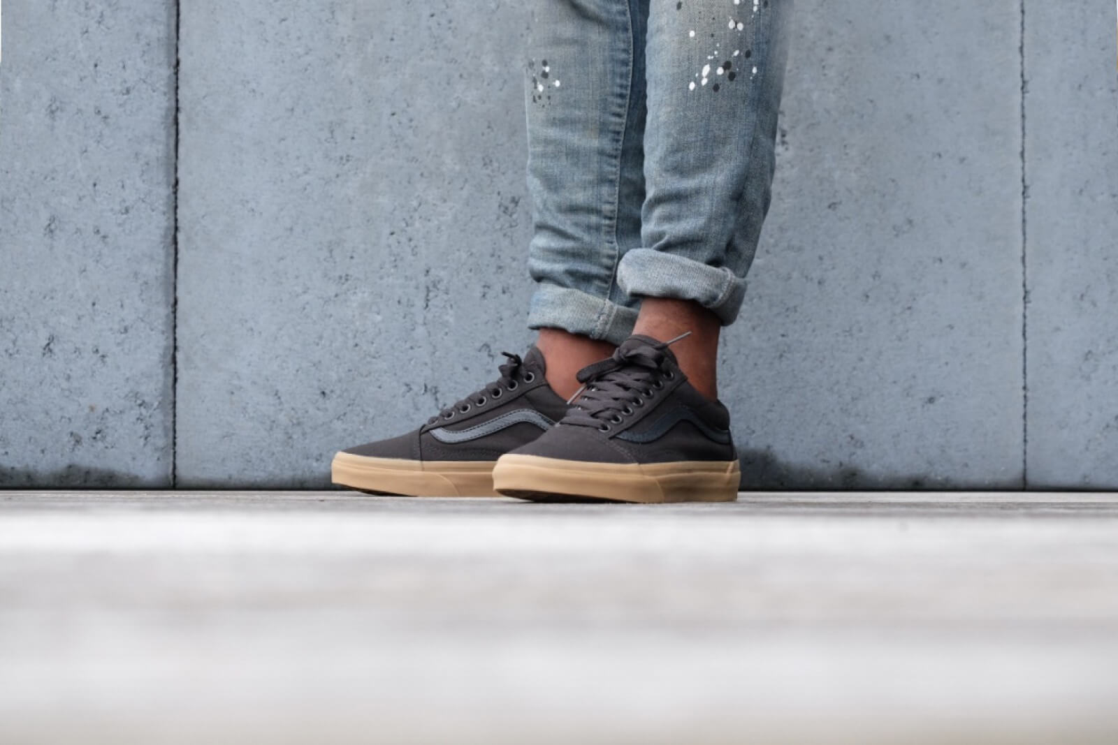 black and gum old skool vans