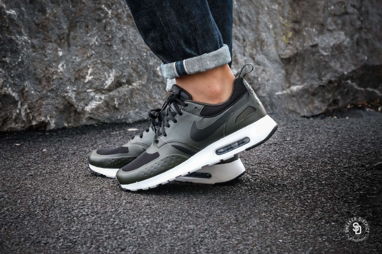 Nike Air Max Vision BlackSequoia heren sneakers | Geen verzendkosten | Sneaker District