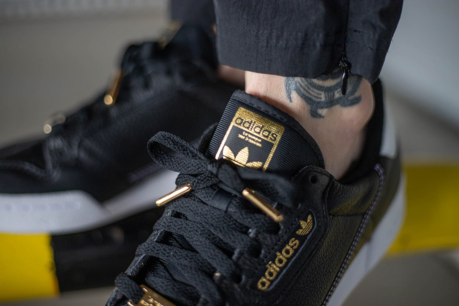 adidas Continental 80 shoes black