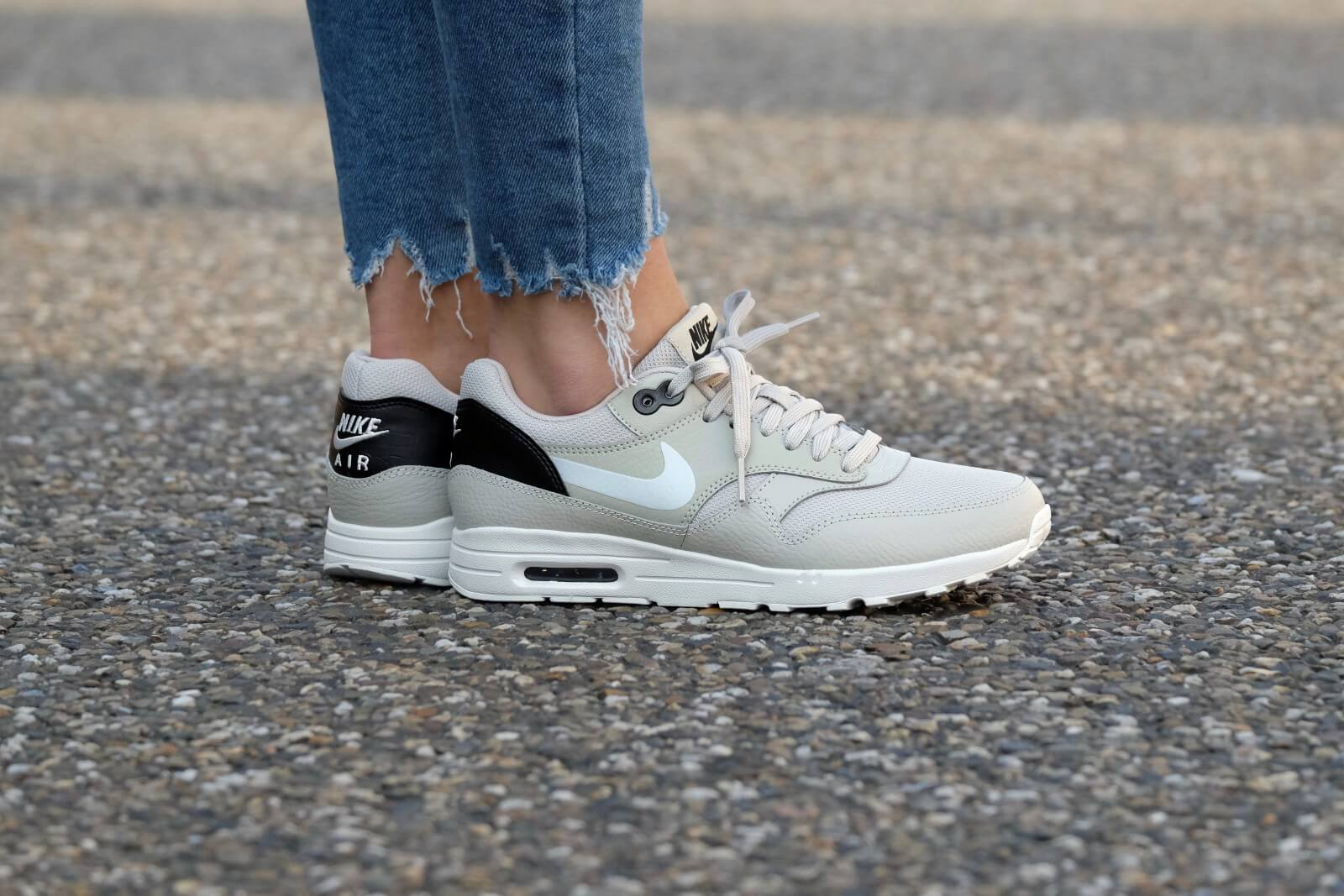 Nike WMNS Air Max 1 Ultra 2.0 Pale GreySummit White Black 881104 004
