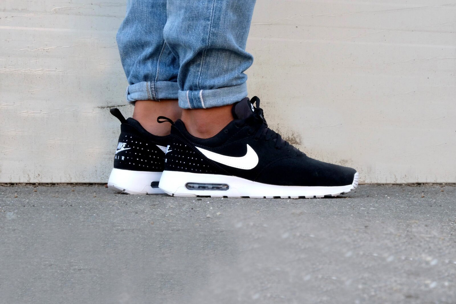 Nike Air Max Tavas LTR Black White 802611 001