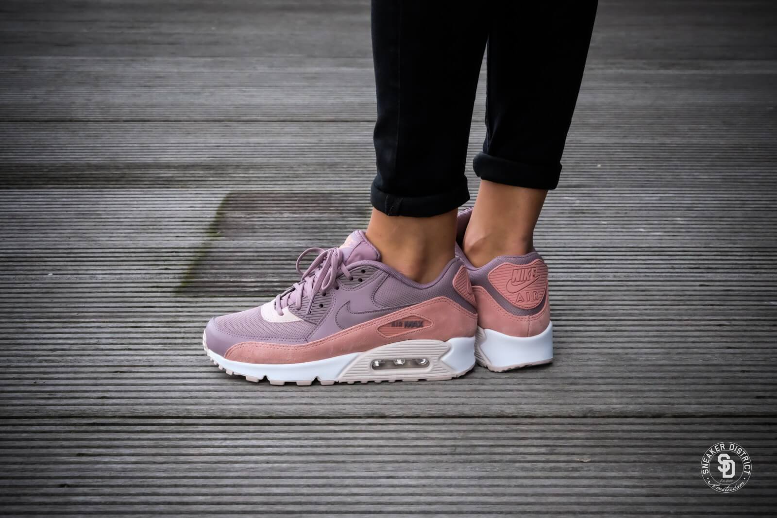 Nike Wmns Air Max 90 Red Stardust Taupe Grey Silt Red White 325213 611