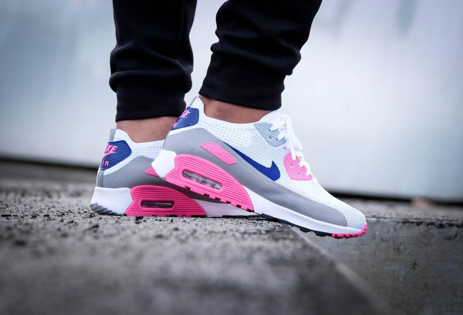 9ece43ce621 ... sweden nike wmns air max 90 ultra 2.0 flyknit white concord laser pink  black f45ba 07342