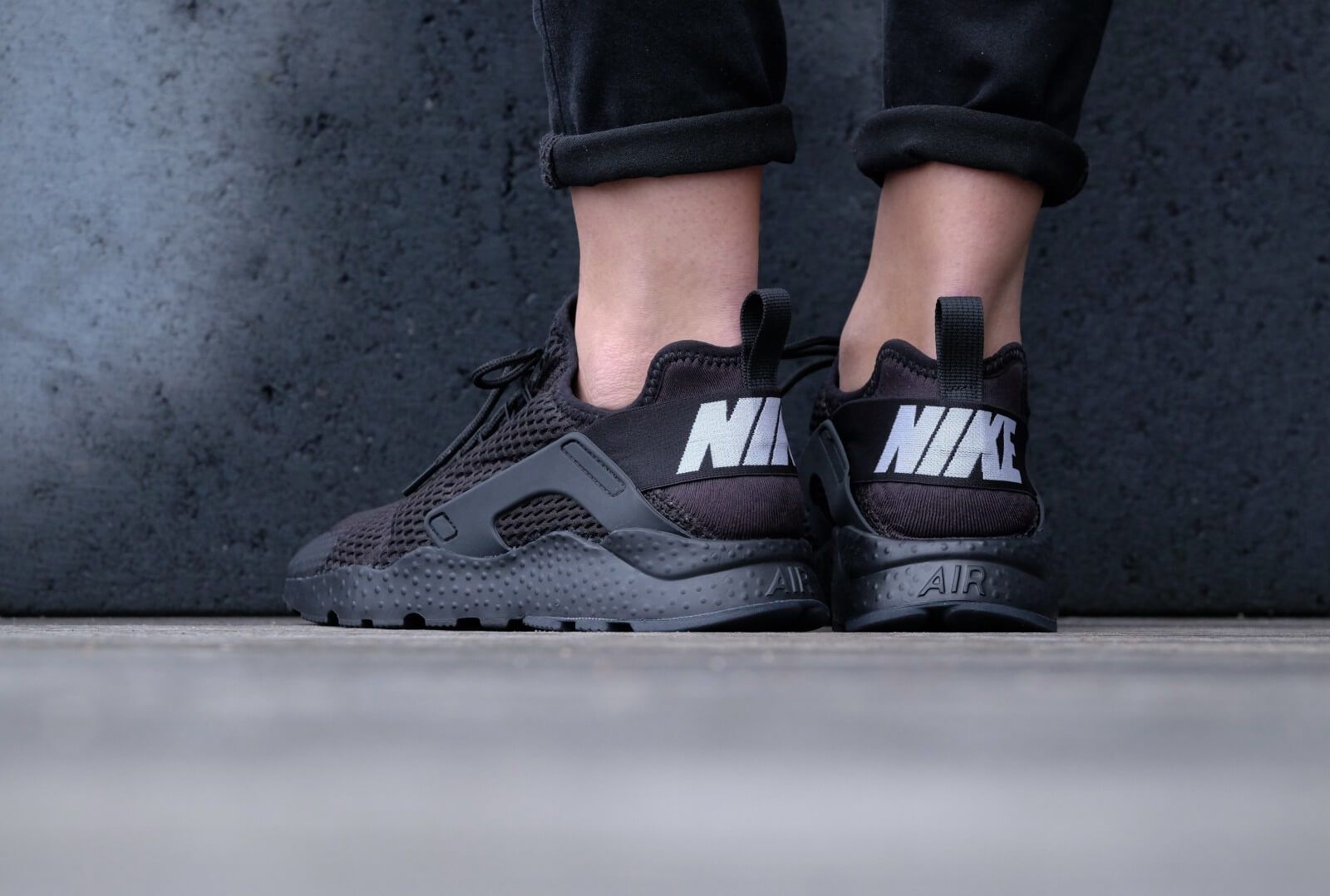 d90ab9b897e8 ... closeout nike wmns air huarache run ultra br black black 5f38f e513b