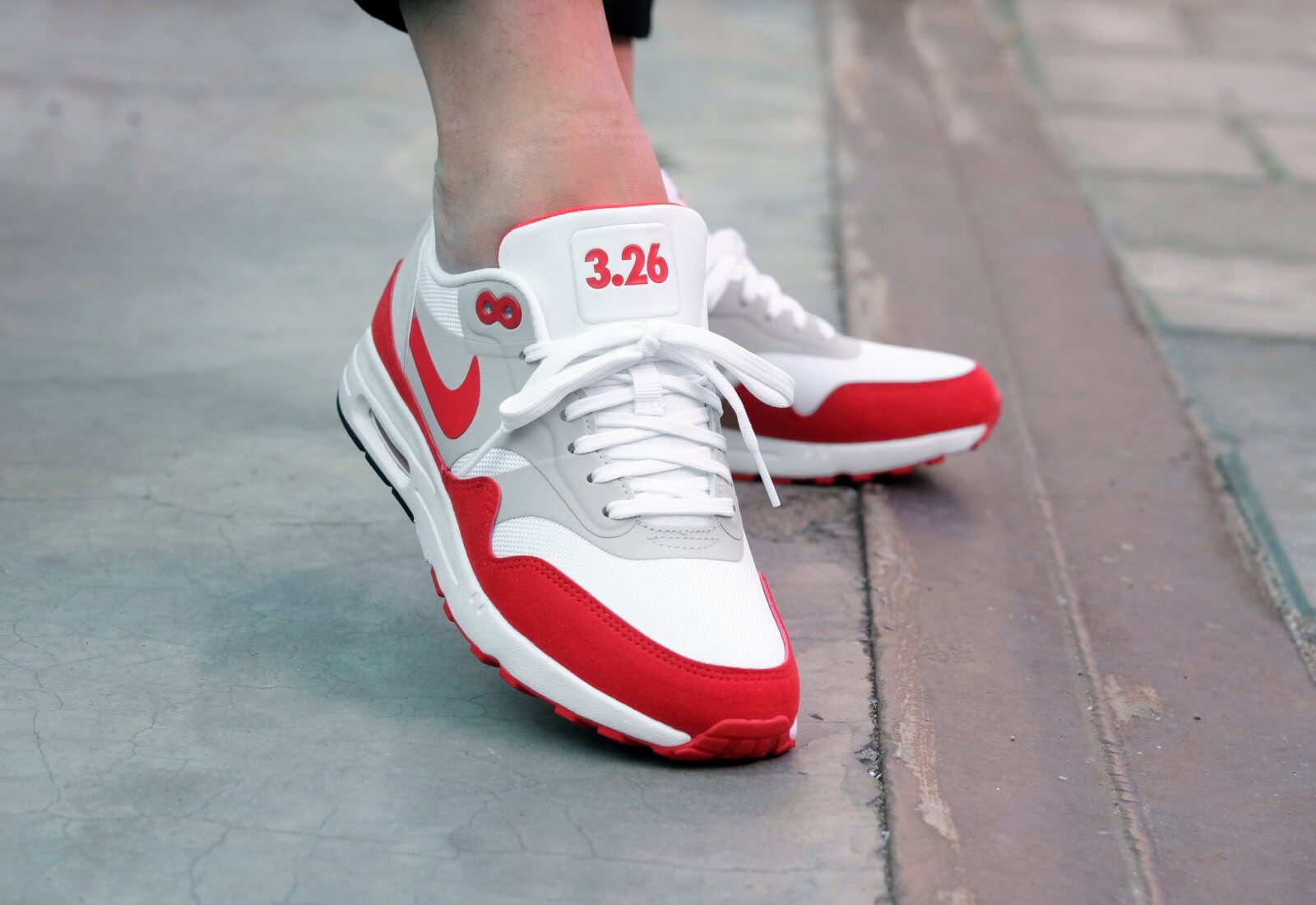 Nike WMNS Air Max 1 Ultra 2.0 LE Air Max Day WhiteUniversity Red 908489 101