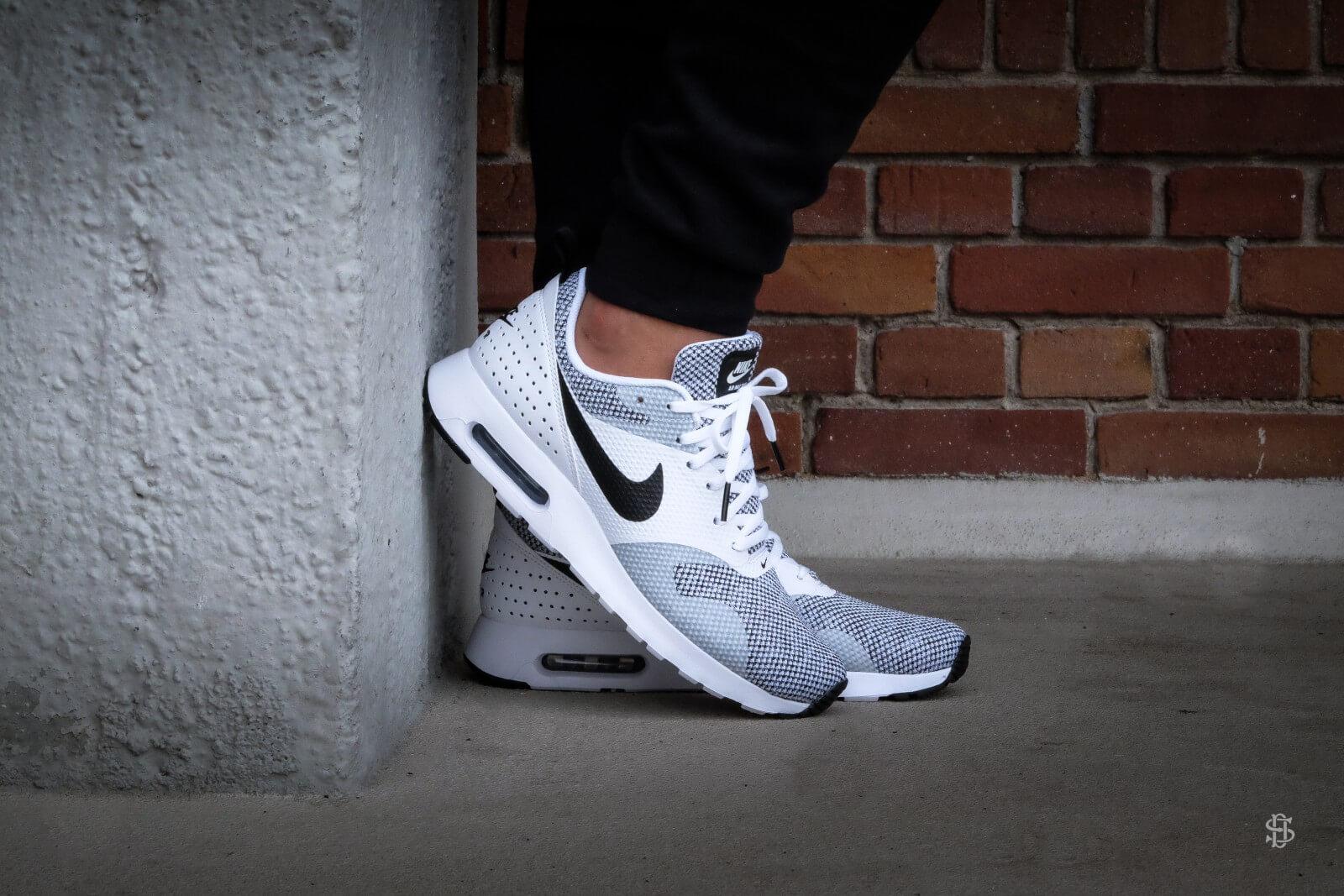 Nike Air Max Tavas PRM White Black Pure Platinum 898016 100