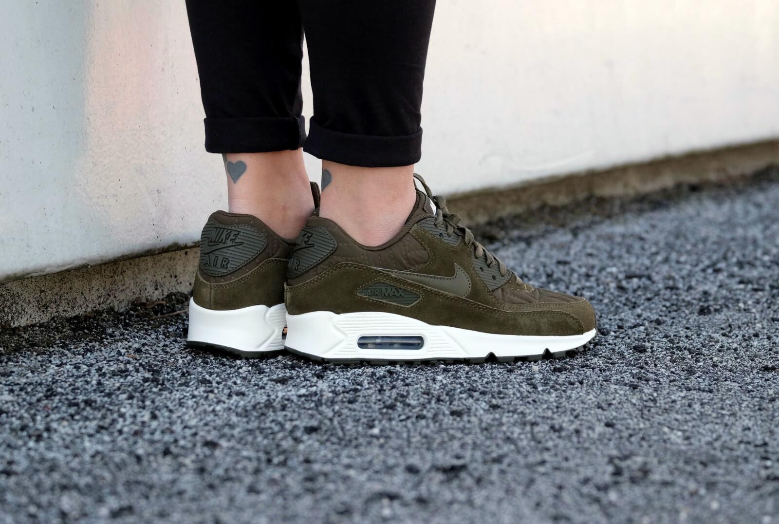 Nike Wmns Air Max 90 Premium Dark Loden Ivory 443817 300