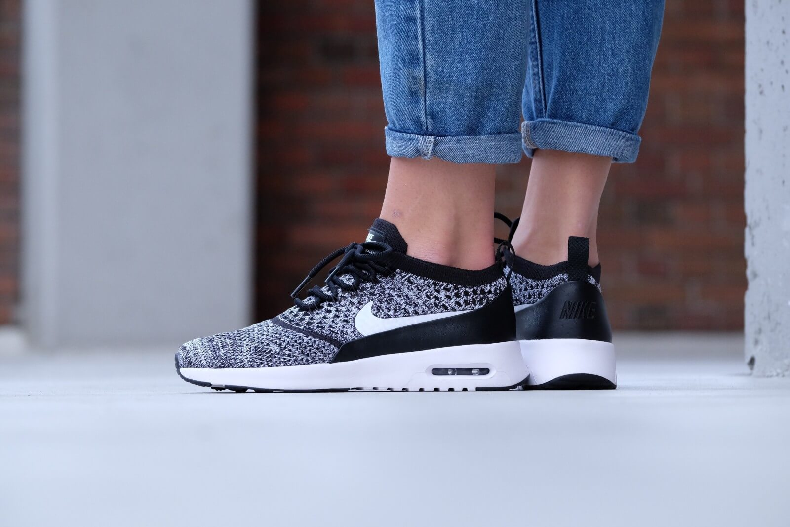 Nike Wmns Air Max Thea Ultra Flyknit (Black  White)