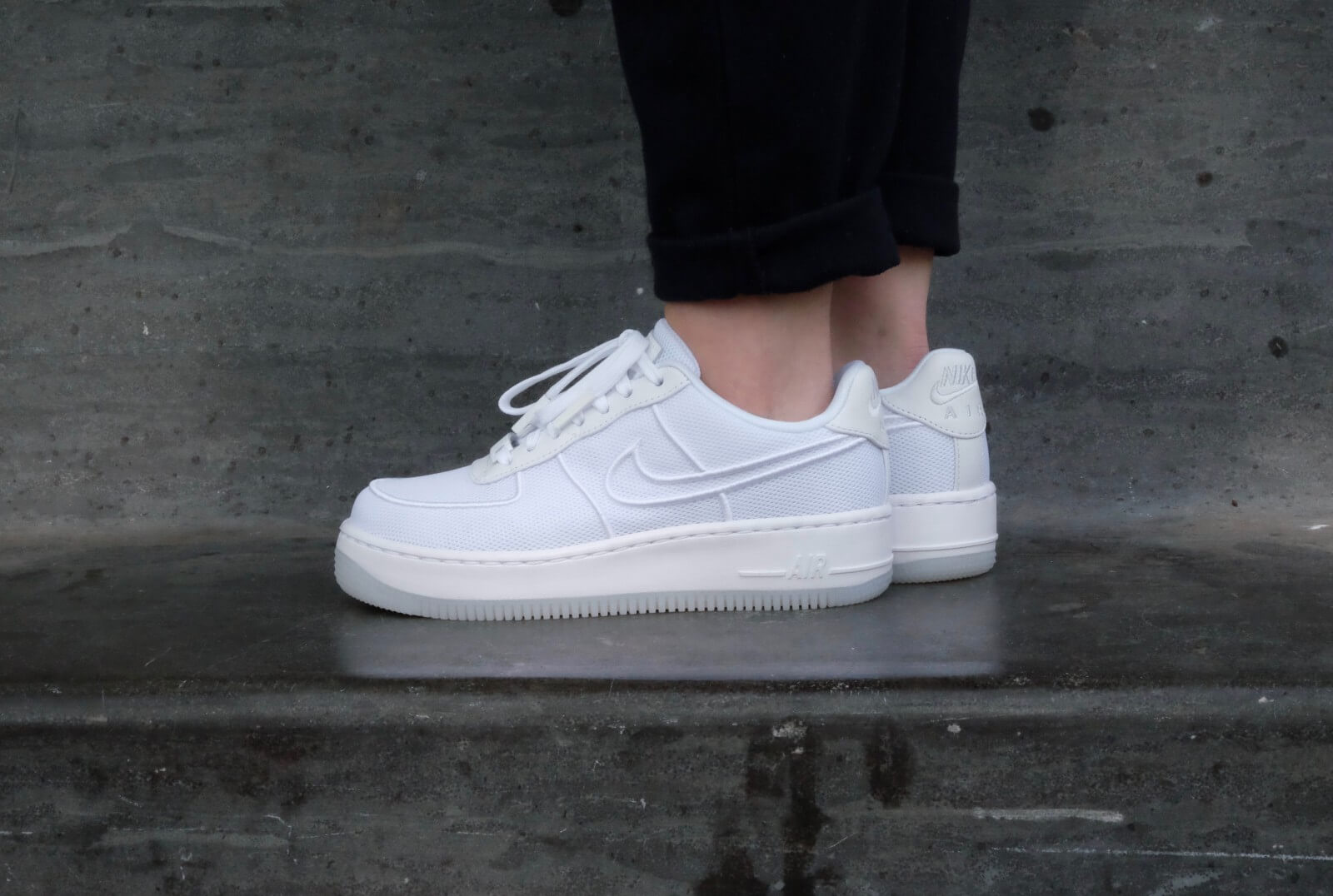 nike air force 1 low upstep