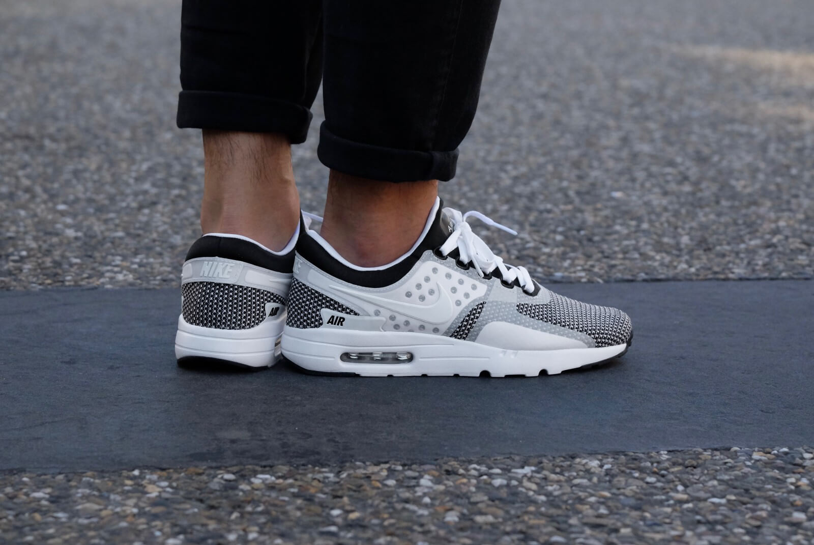 Nike Air Max Zero Essential BlackWhite Dark Grey 876070 005