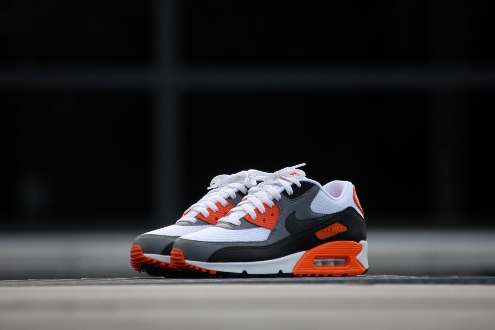 Nike Air Max 90 Essential White Anthracite Cool Grey Orange White Anthracite Cool Grey Orange