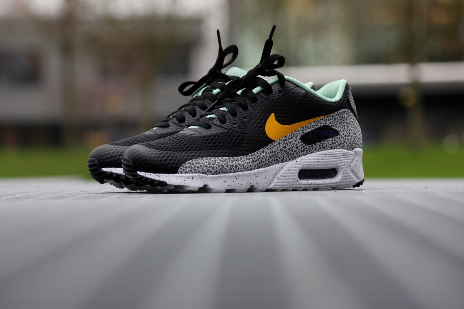 New Nike Air Max 90 Ultra Essential Enamel Green with