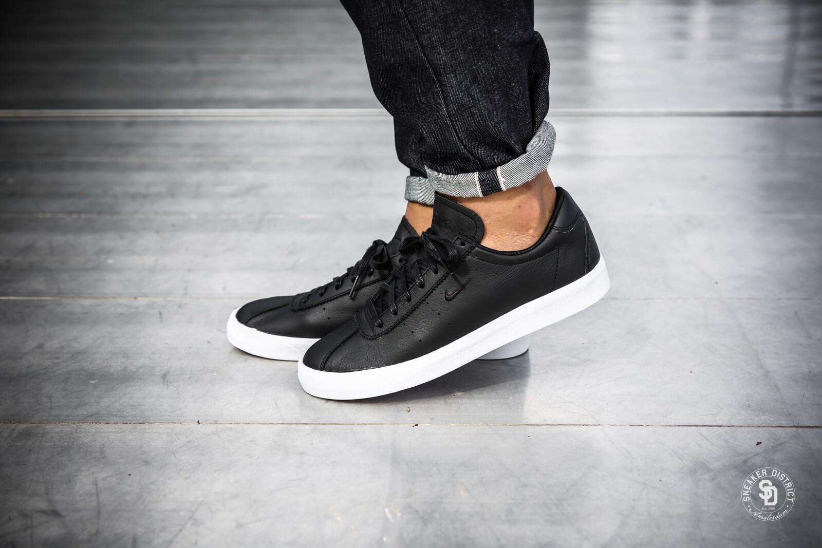 Nike Herren Match Classic Leather Sneaker  45.5 EUSchwarz (Black/Black)