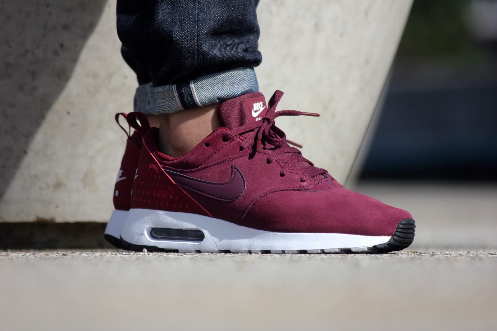 Nike Air Max Tavas LTR Night MaroonTeam Red Sail 802611 602