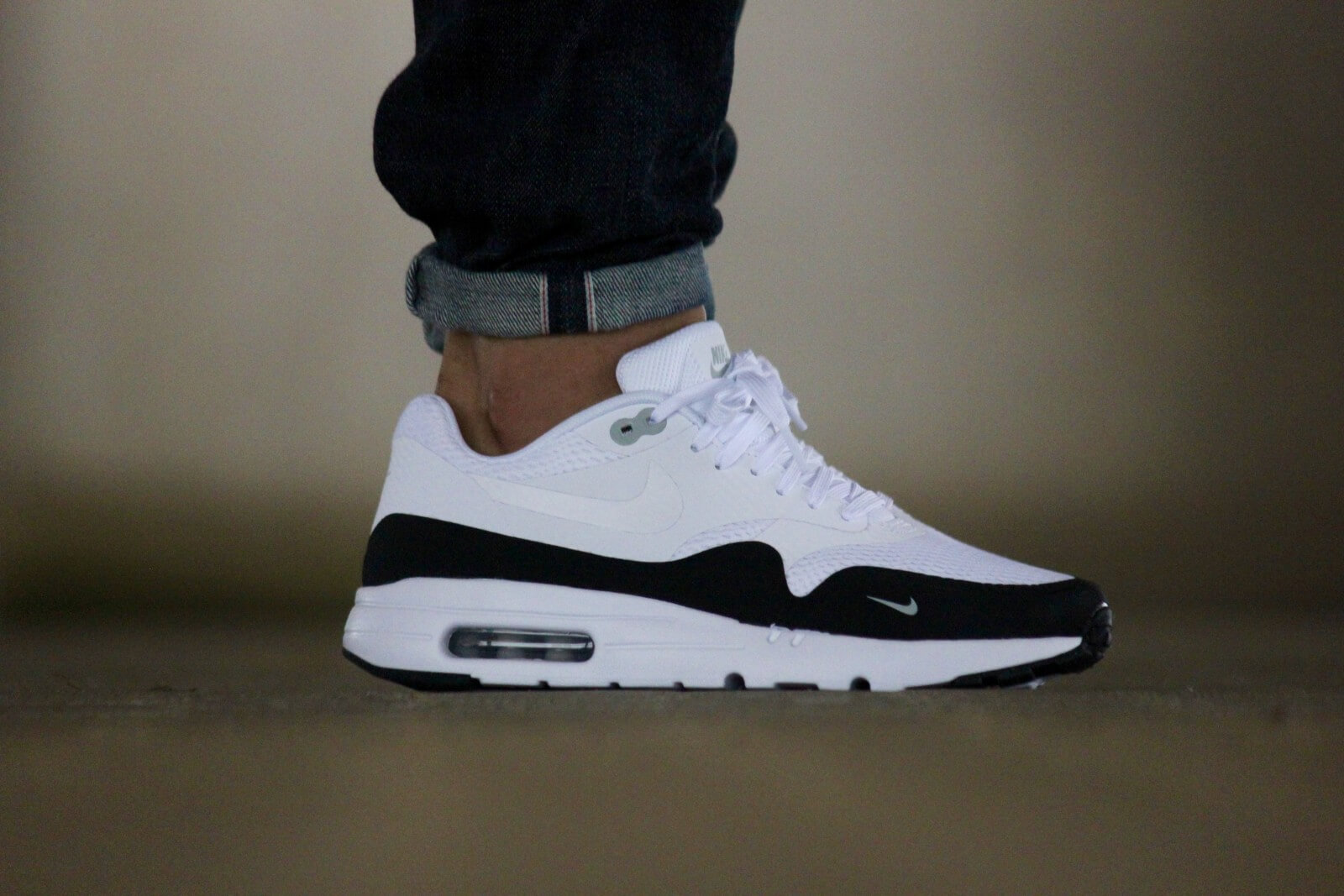 nike air max 1 ultra essential black black