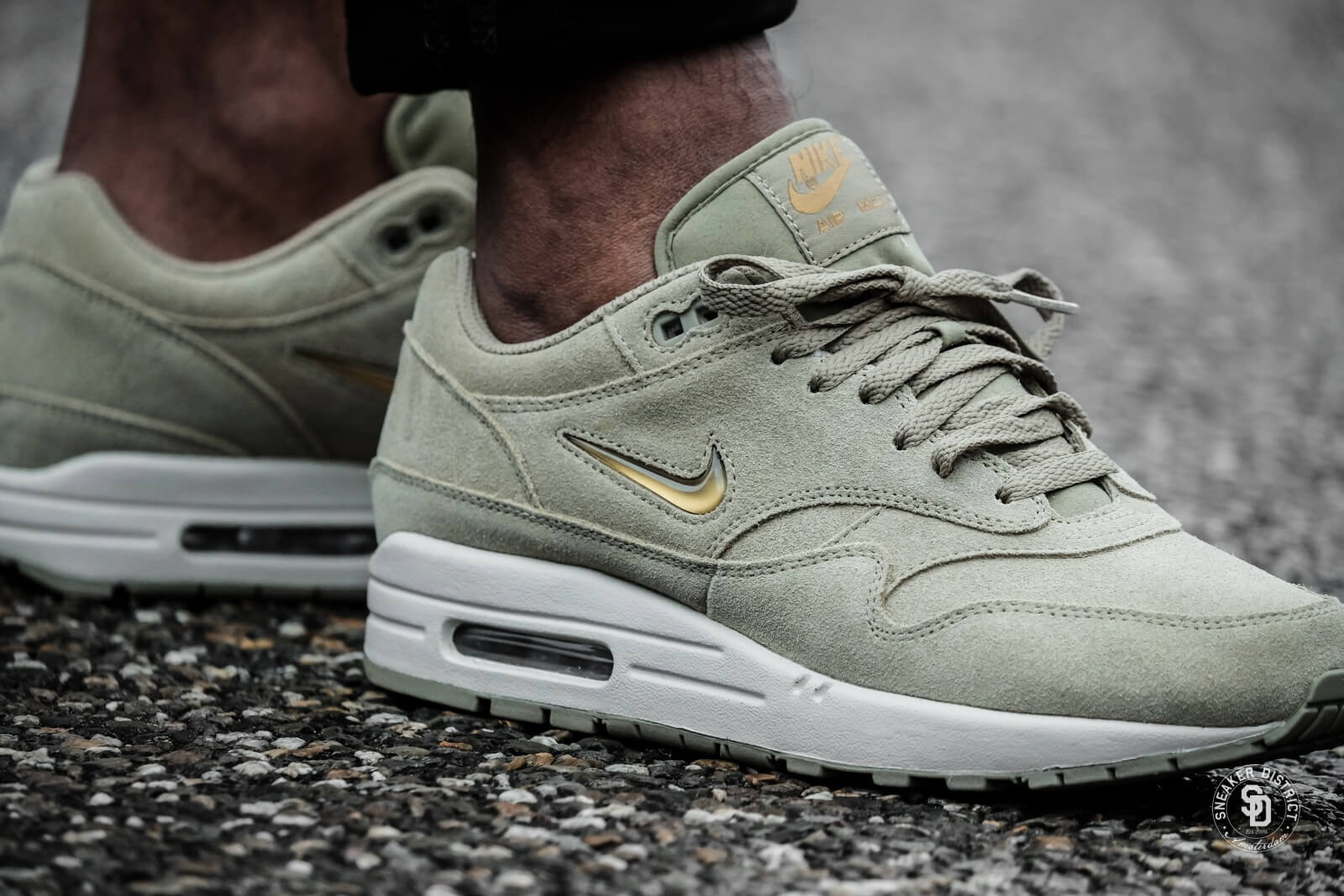 Nike Air Max 1 Premium SC Jewel Neutral OliveMetallic Gold 918354 201