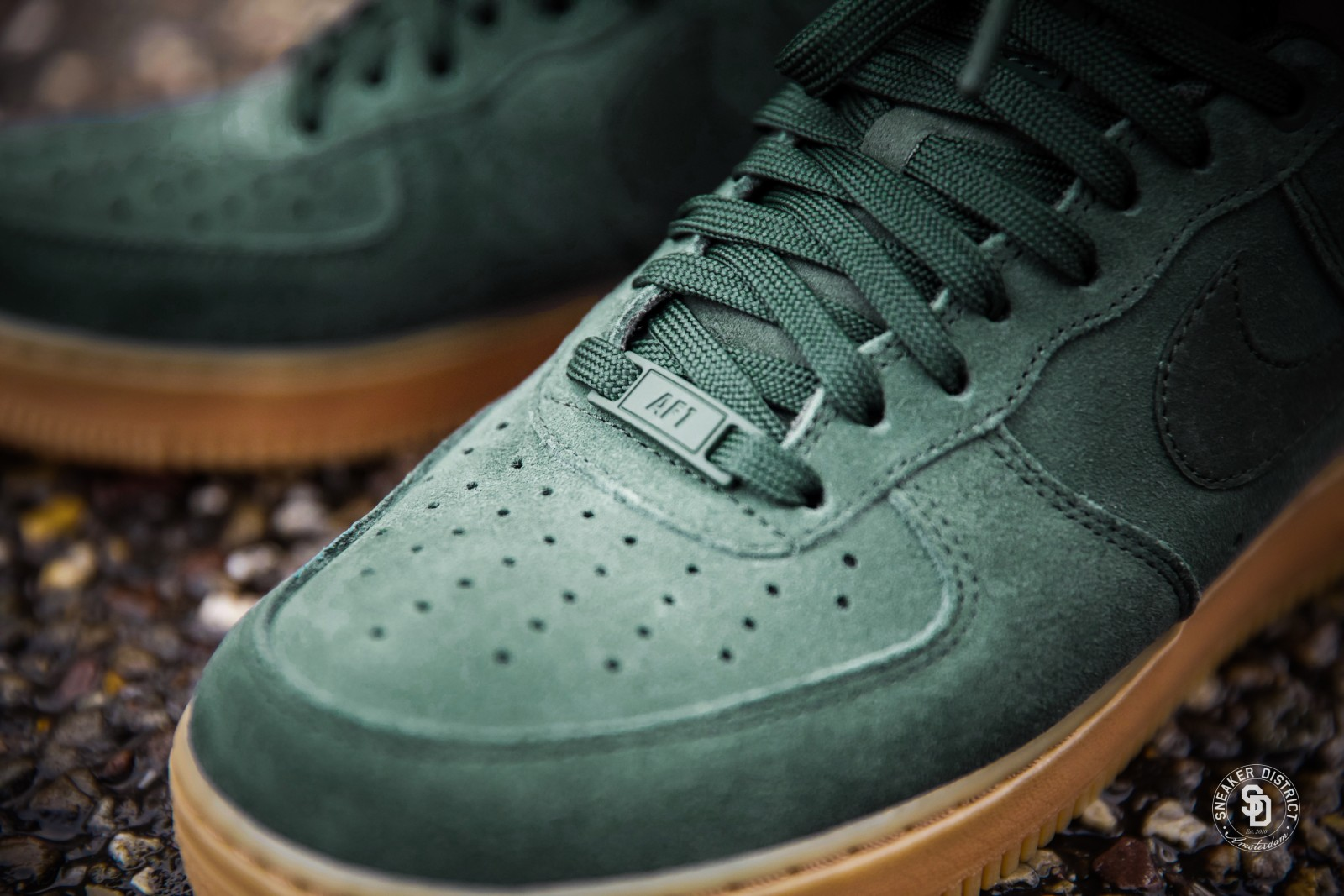Schuhe NIKE Air Force 1 '07 Lv8 Suede AA1117 300 Outdoor