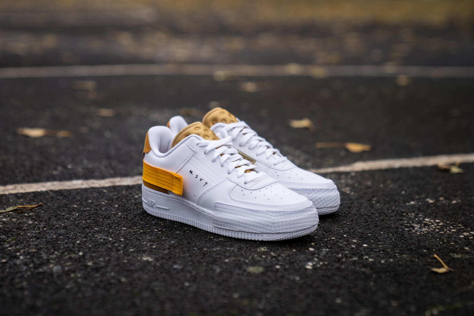 Nike Air Force 1 Type WhiteUniversity Gold AT7859 100