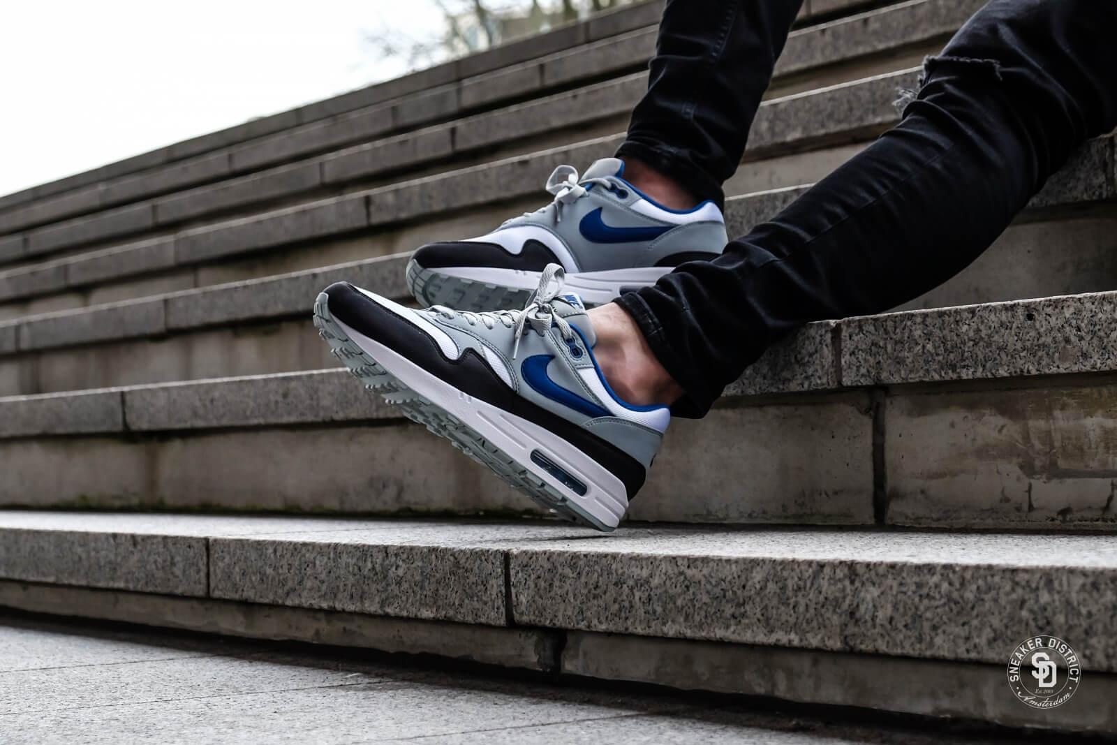Nike Air Max Thea Light Bone leoncamier.co.uk