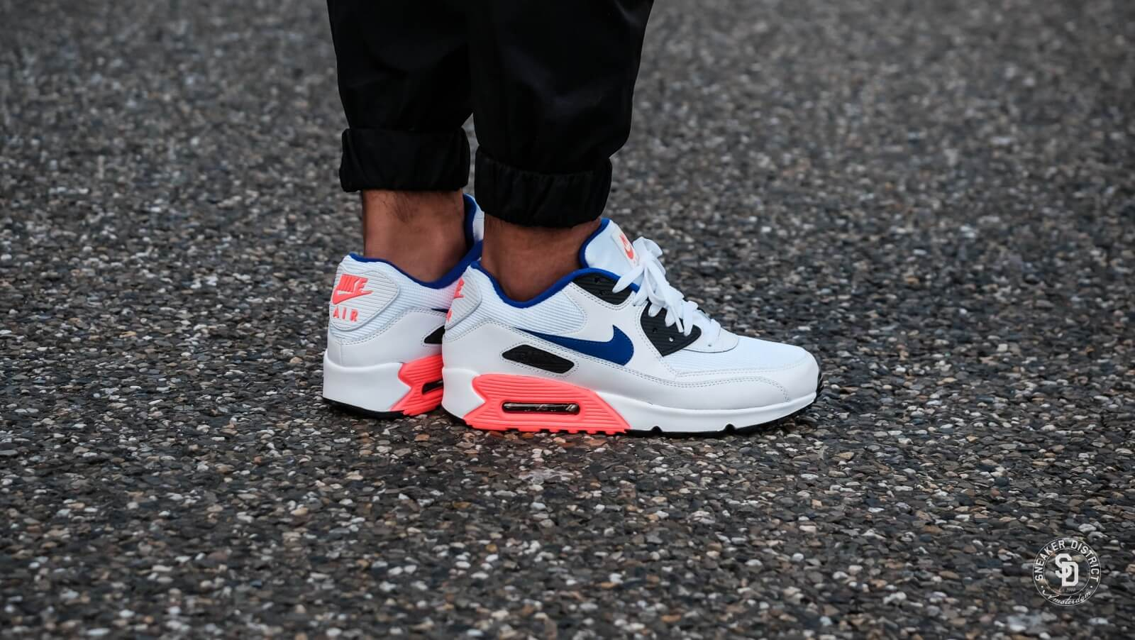 Nike Air Max 90 Essential White Ultramarine Solar Red
