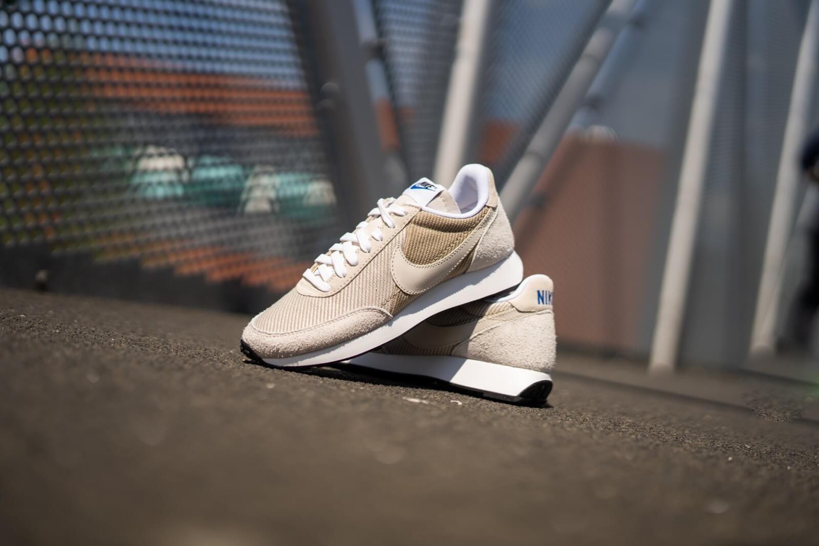 Nike Air Tailwind 79 shoes beige