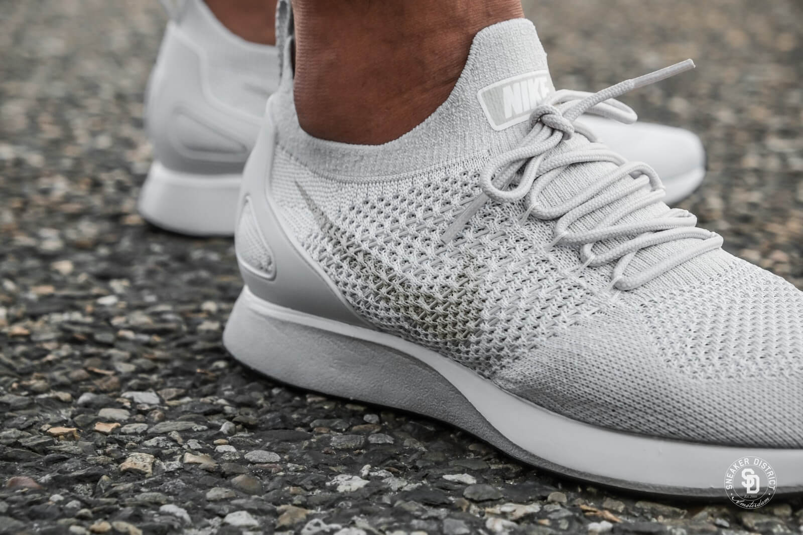Nike Air Zoom Mariah Flyknit Racer (Pure Platinum  Dark Grey  Light Bone  White)
