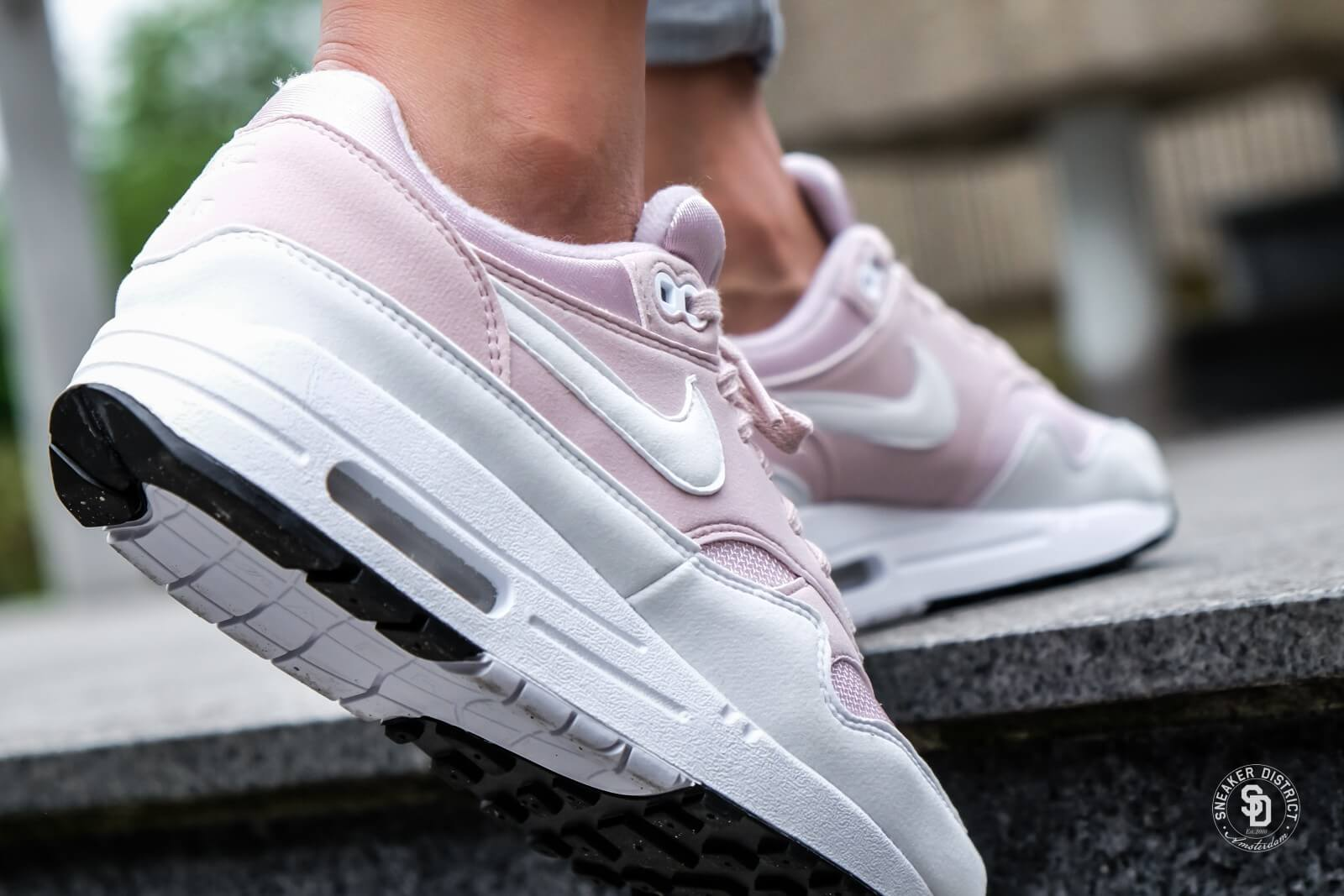 order air max 1 white and pink f19ad caf3f