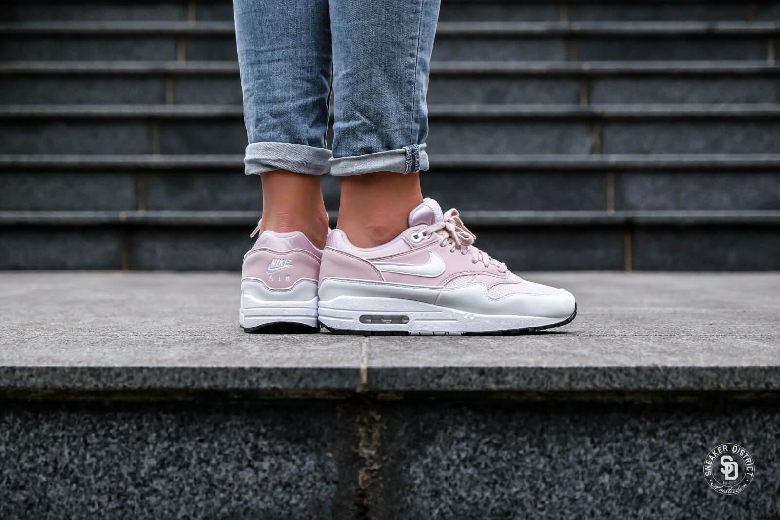 Nike Women