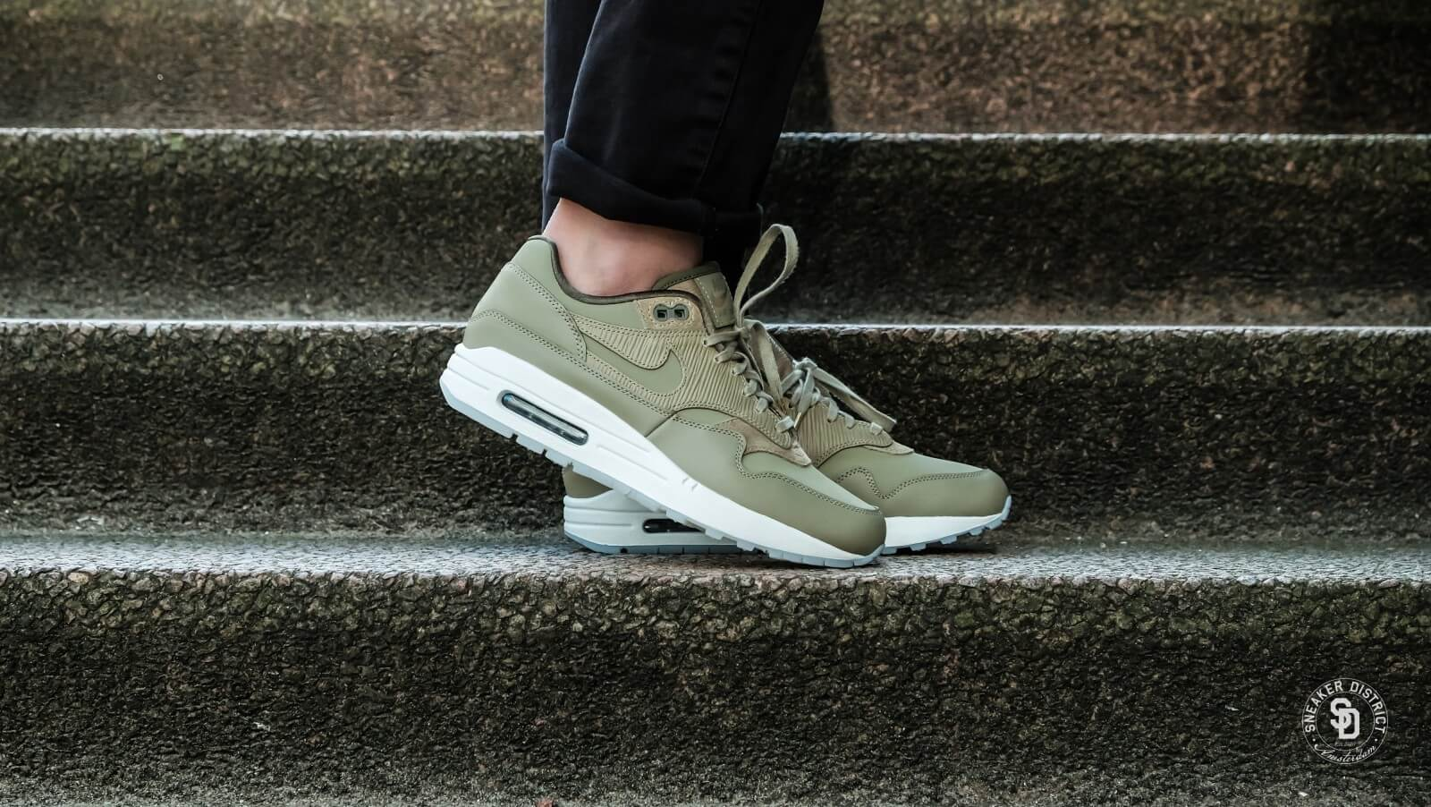 premium selection 70b08 08320 czech nike womens air max 1 premium neutral olive medium olive 0c3eb 93aa0