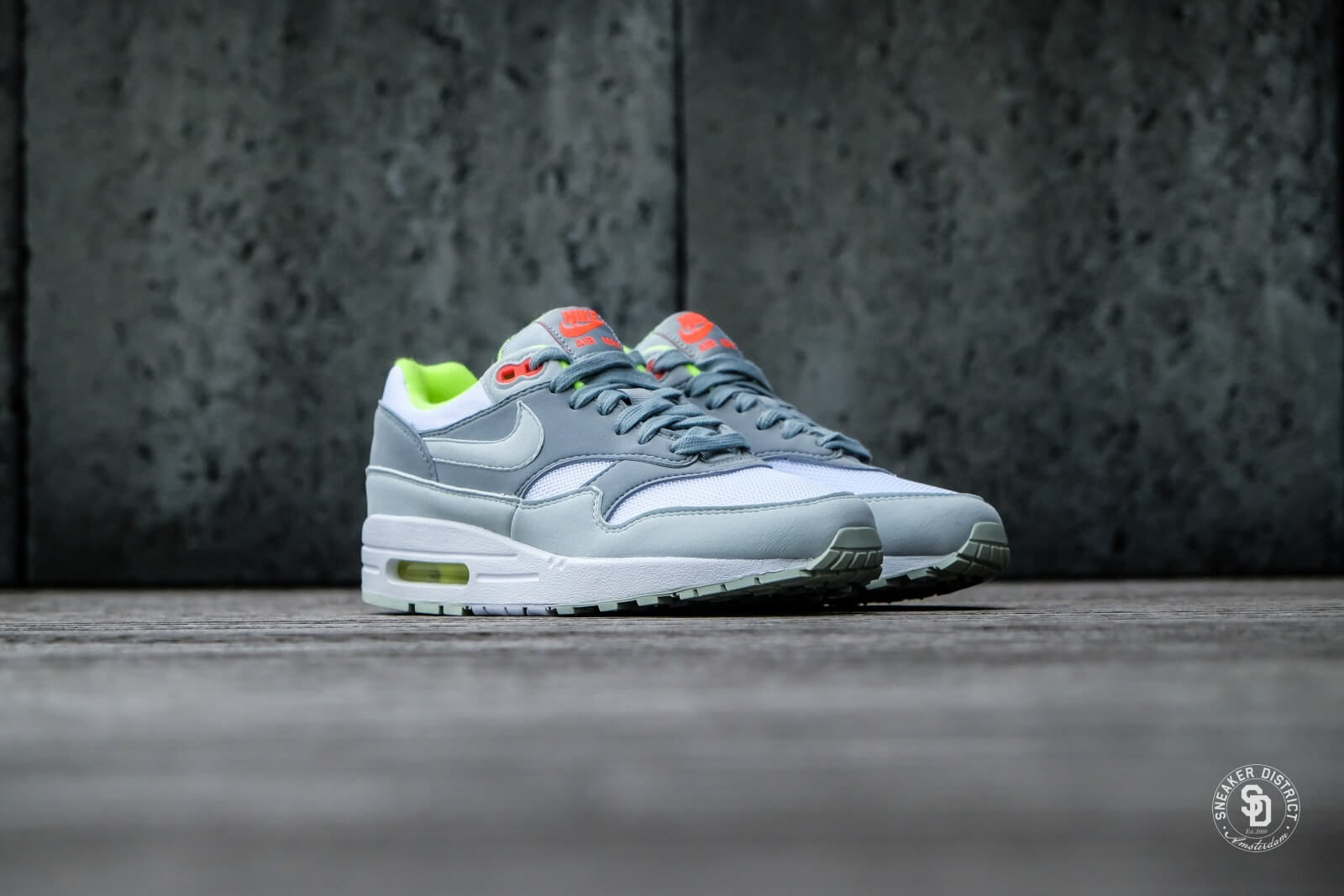 Nike Women's Air Max 1 WhiteBarely Grey Light Pumice Volt