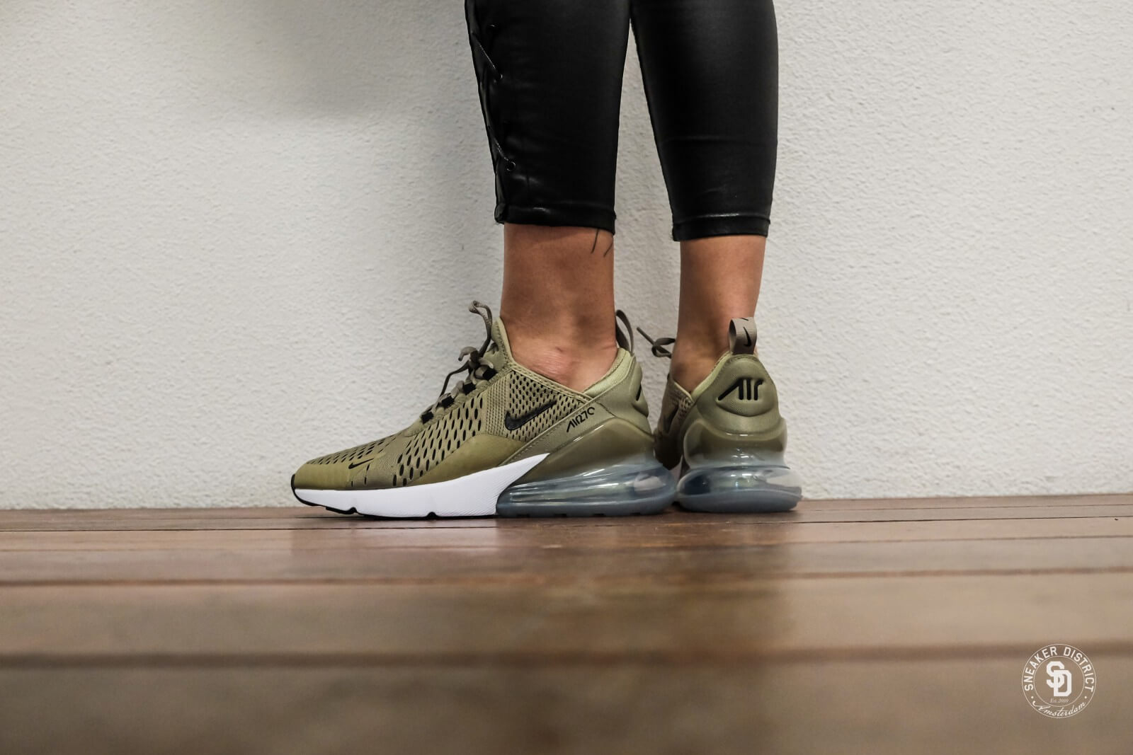 Nike Women S Air Max 270 Neutral Olive Black Barely Volt