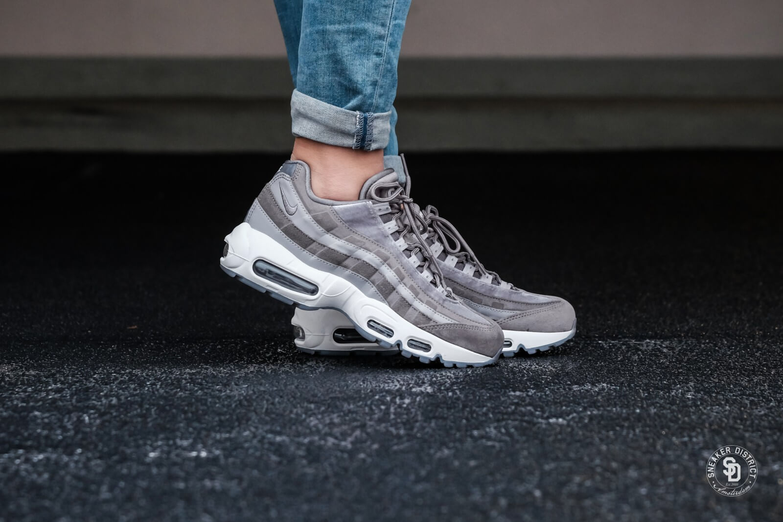 b2926cf9dda8 Günstiges Online-Shopping Nike Air Max 95 gunsmoke atmosphere grey Nike In  Deutschland Günstigem