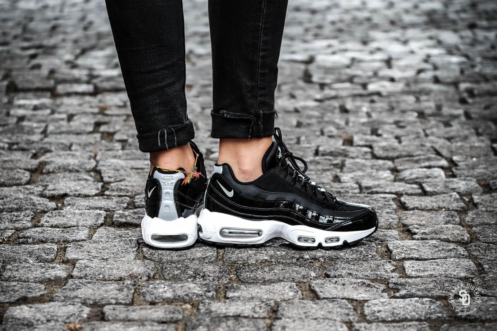 Nike Air Max 95 Sneakers BlackReflect SilverndBlackWhite