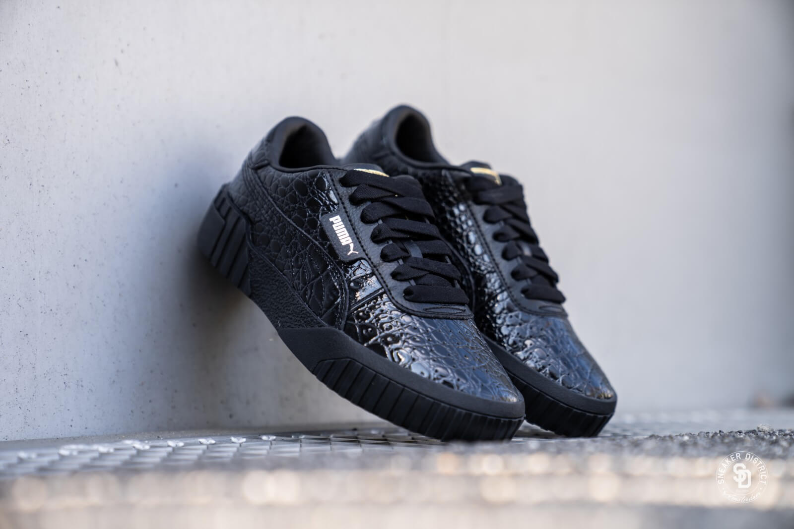 Puma Cali Crocodile Puma BlackMetallic Gold 369735 03