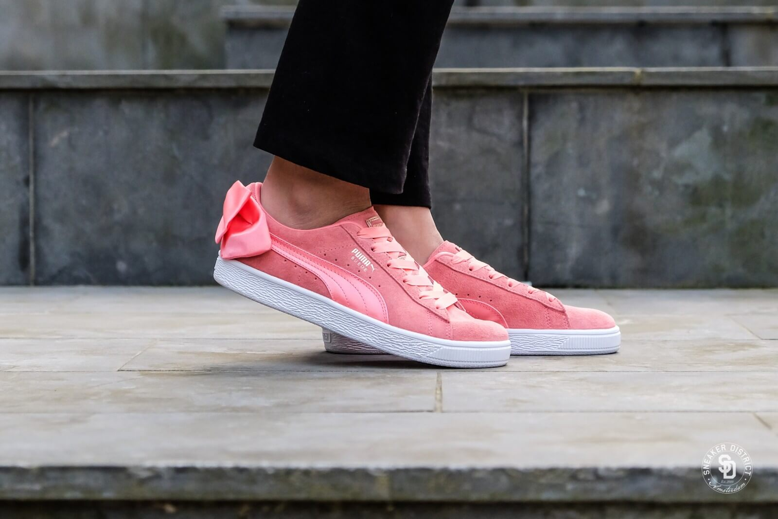 puma suede bow trainers pink