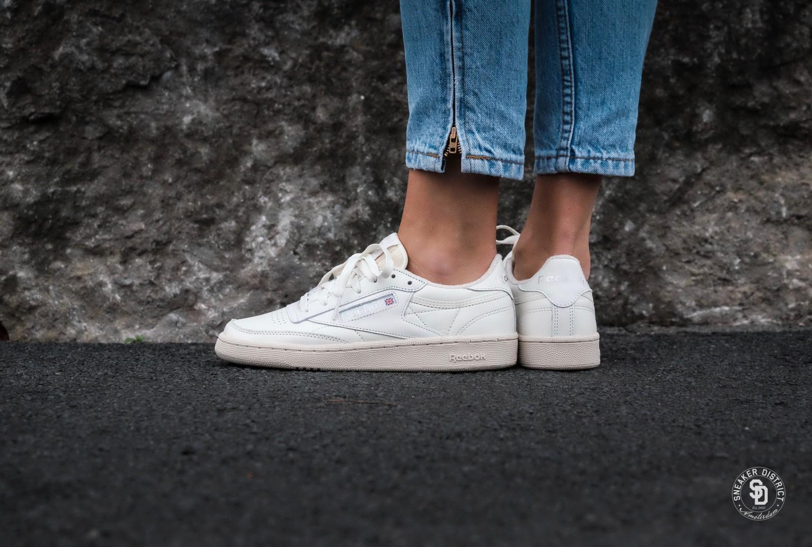 Womens Reebok Lifestyle   Club C 85 Shoes White RED