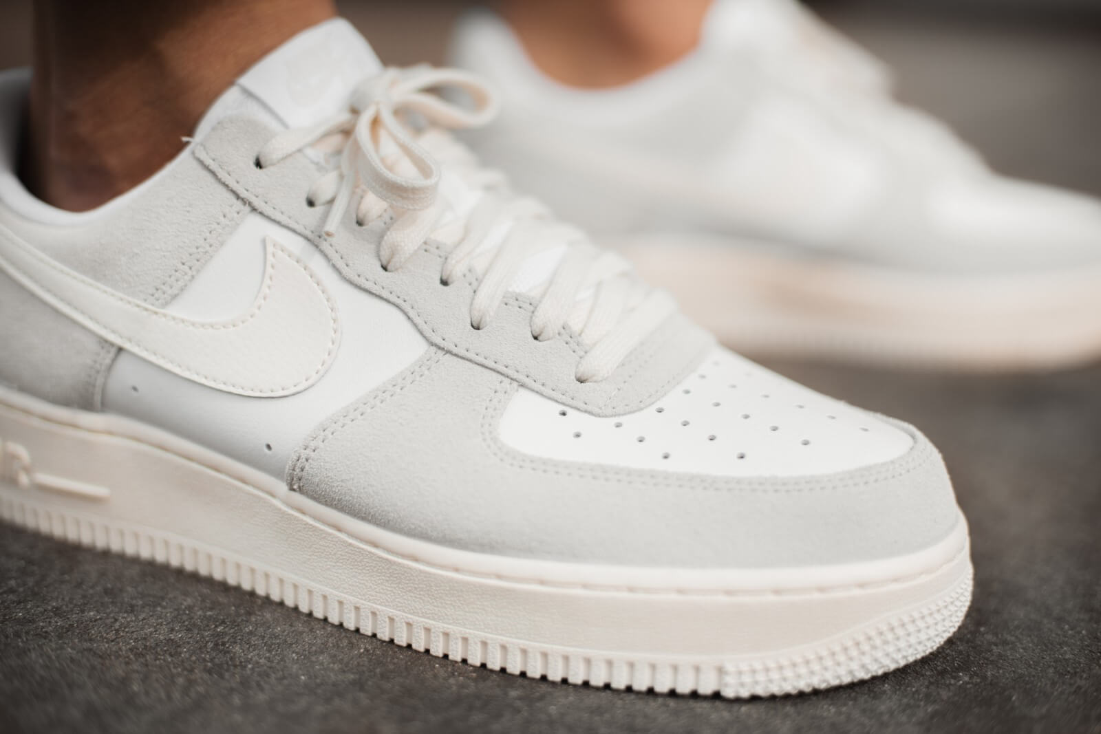 Nike Air Force 1 LV8 WhiteSail Platinum Tint CW7584 100