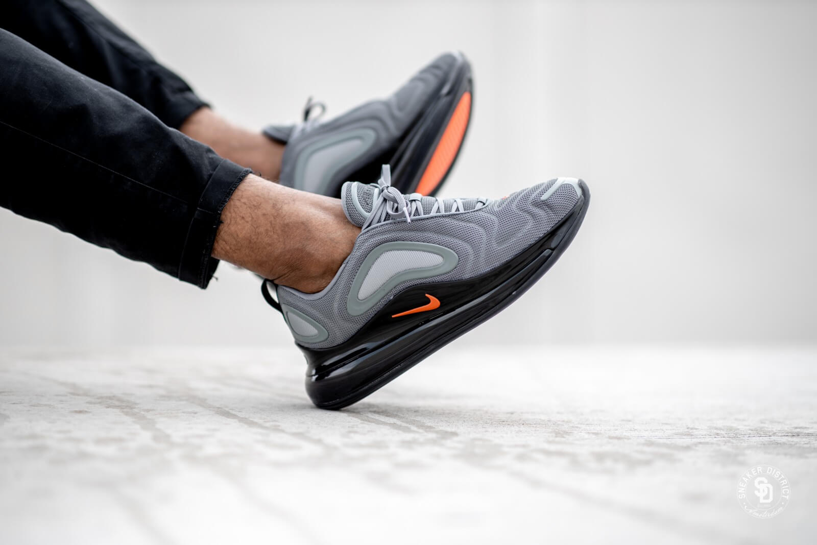 Nike Air Max 720 Cool GreyBright Crimson Black CK0897 001