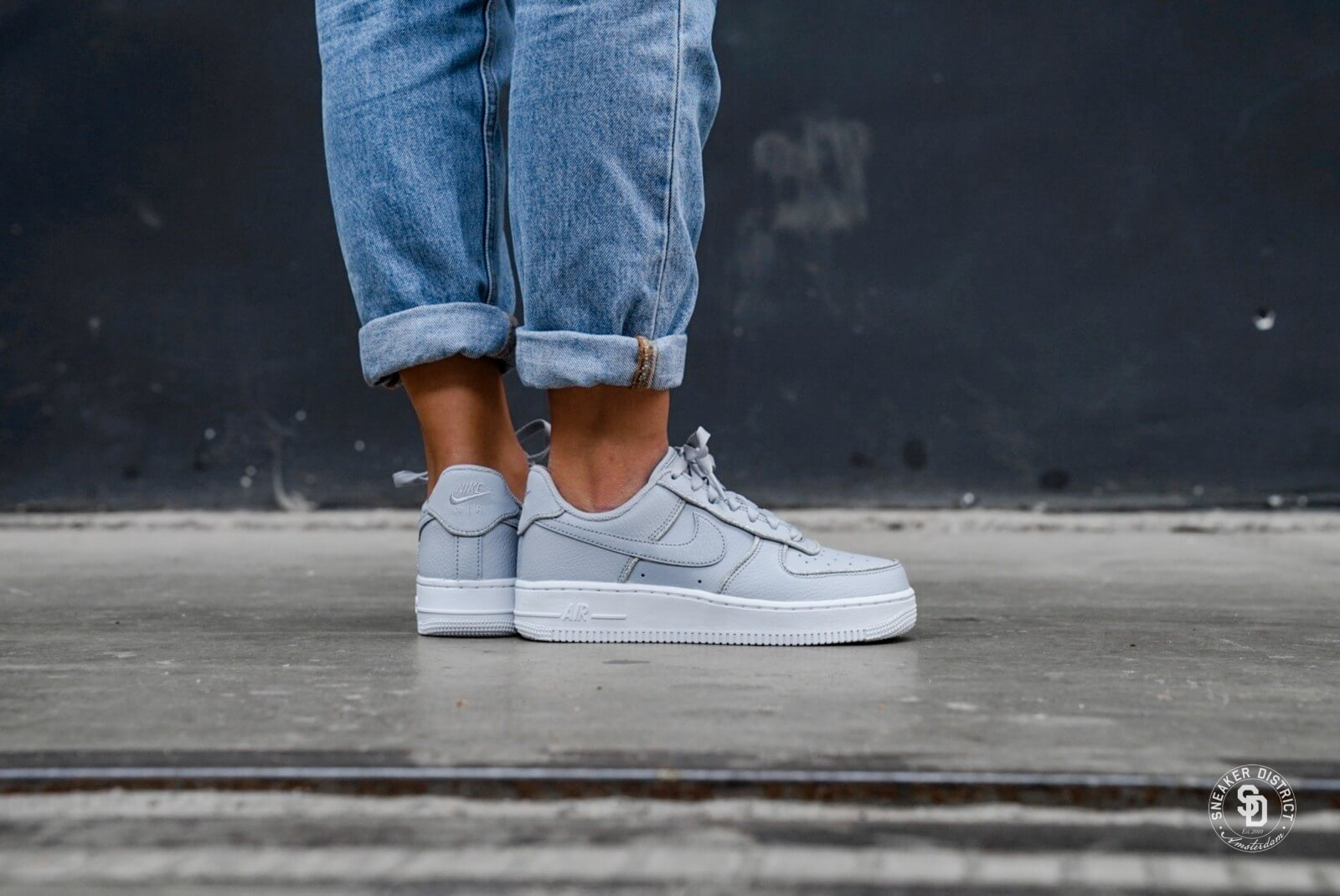 Women's Shoe Nike Air Force 1 Low Glitter AT0073 002 Wolf