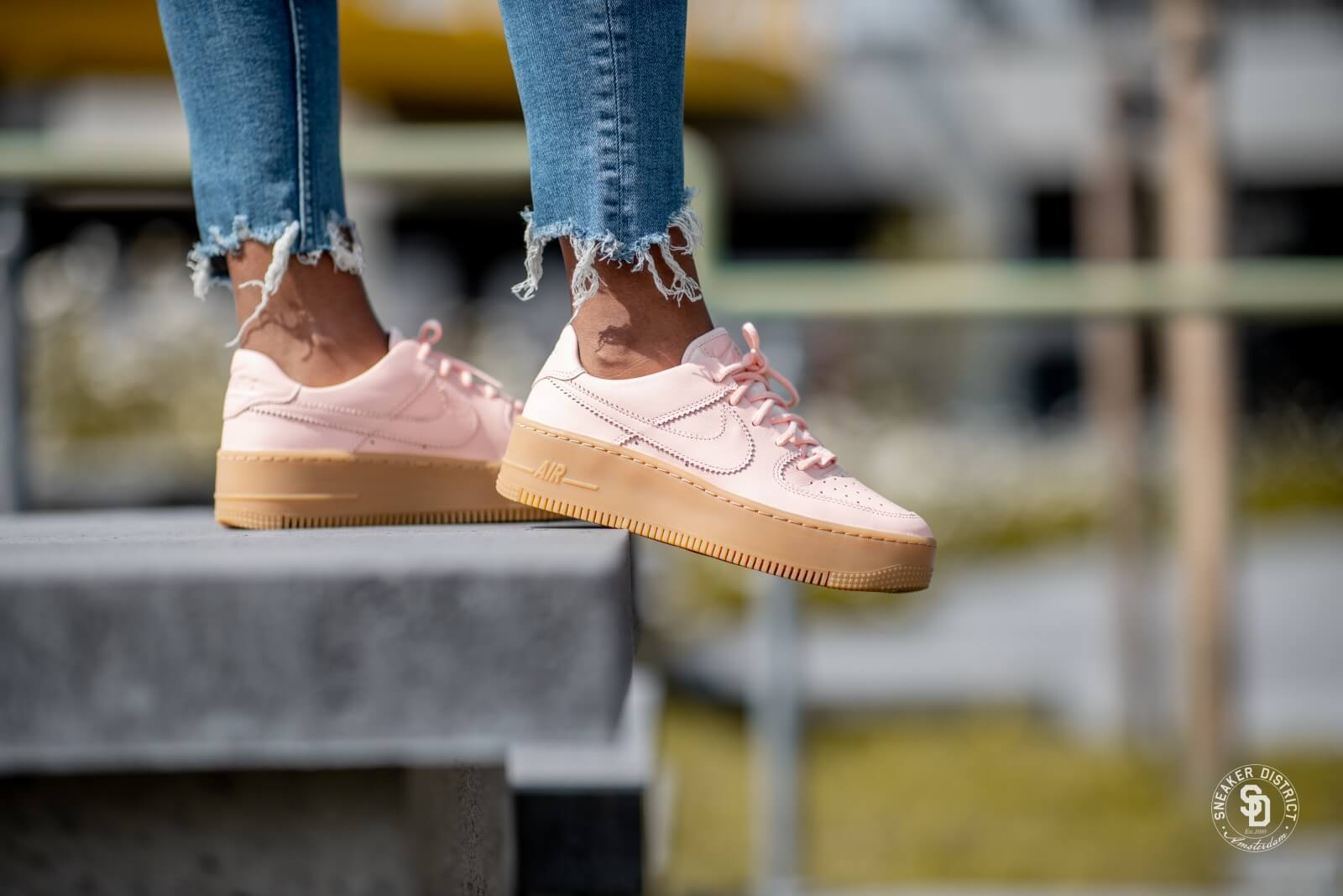 Nike Green Women's Air Force 1 Sage Low Lx Features A