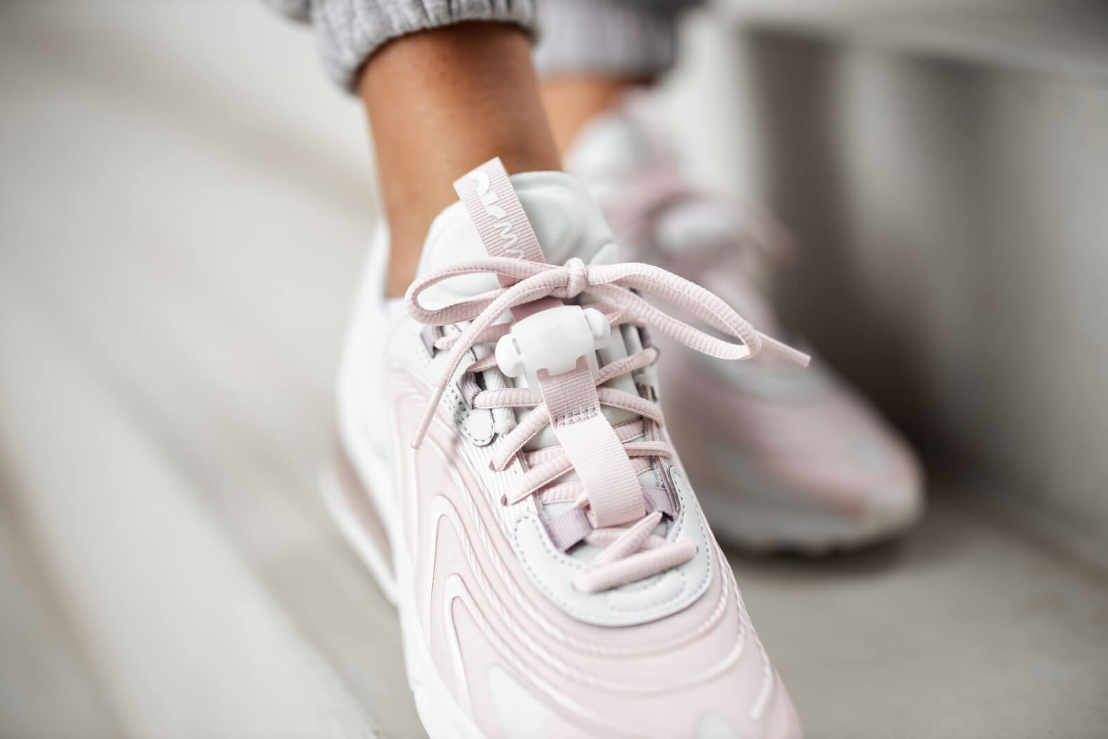 Nike Women's Air Max 270 React ENG Photon DustSummit White Barely Rose